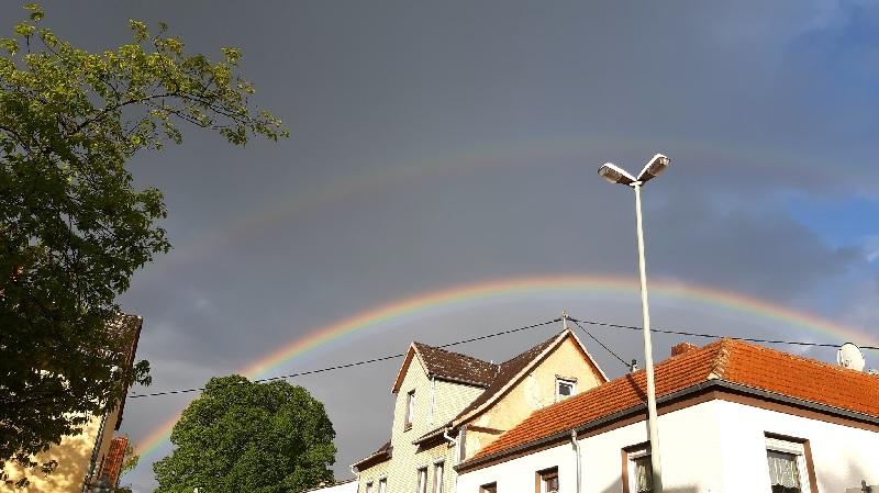Bunter Regenbogen über Hofheim-Wallau