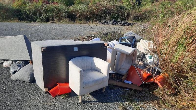 Illegale Müllablagerung in der Gemarkung Wallau